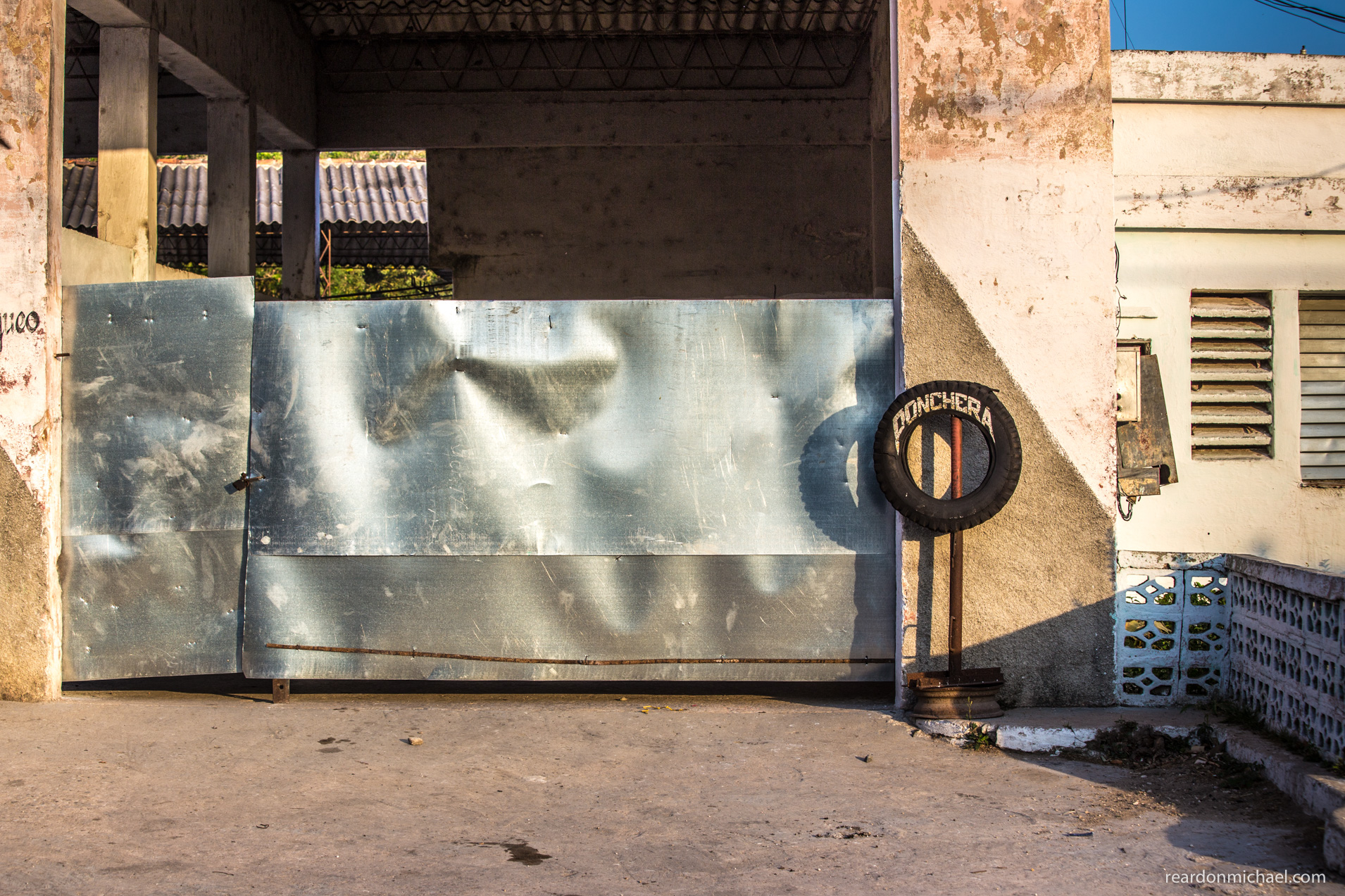 Havana doors